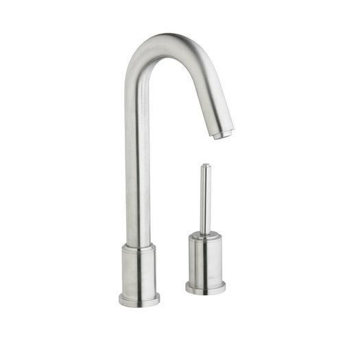 Looking For An Outdoor Kitchen Faucet That Can Withstand The Elements And Not Break Down During The First Season The Elkay With Images Sink Faucets Kitchen Faucet Elkay