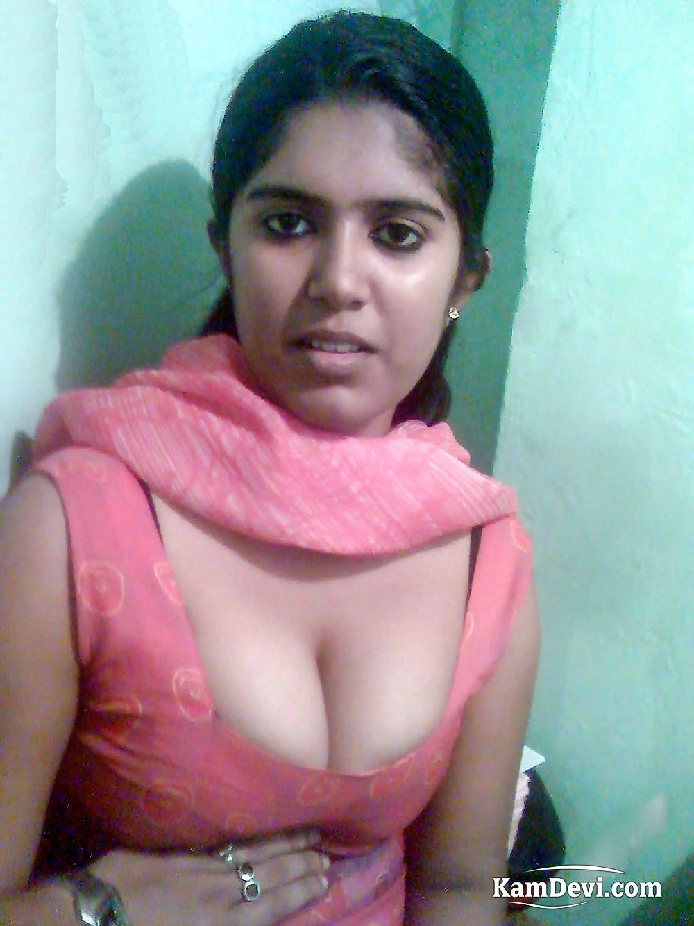 sexy indian female boobs