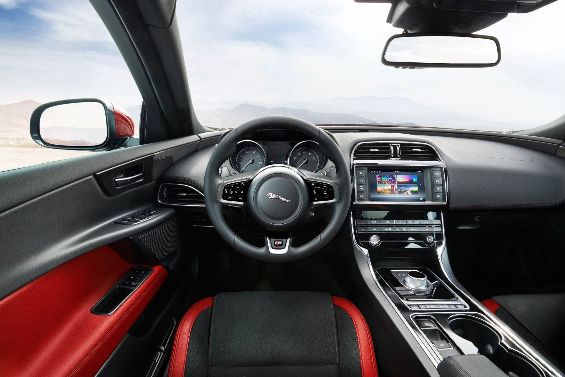 Jaguar xe int rieur jaguar pinterest images et for Interieur jaguar