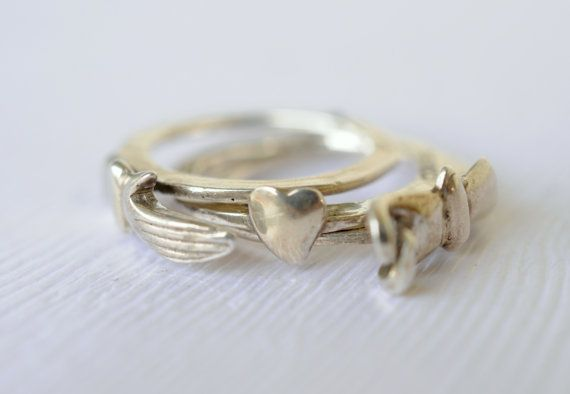 So very cool!! 1970s vintage / Fede ring / gimmal ring / holding by ErinAntiques, $180.00