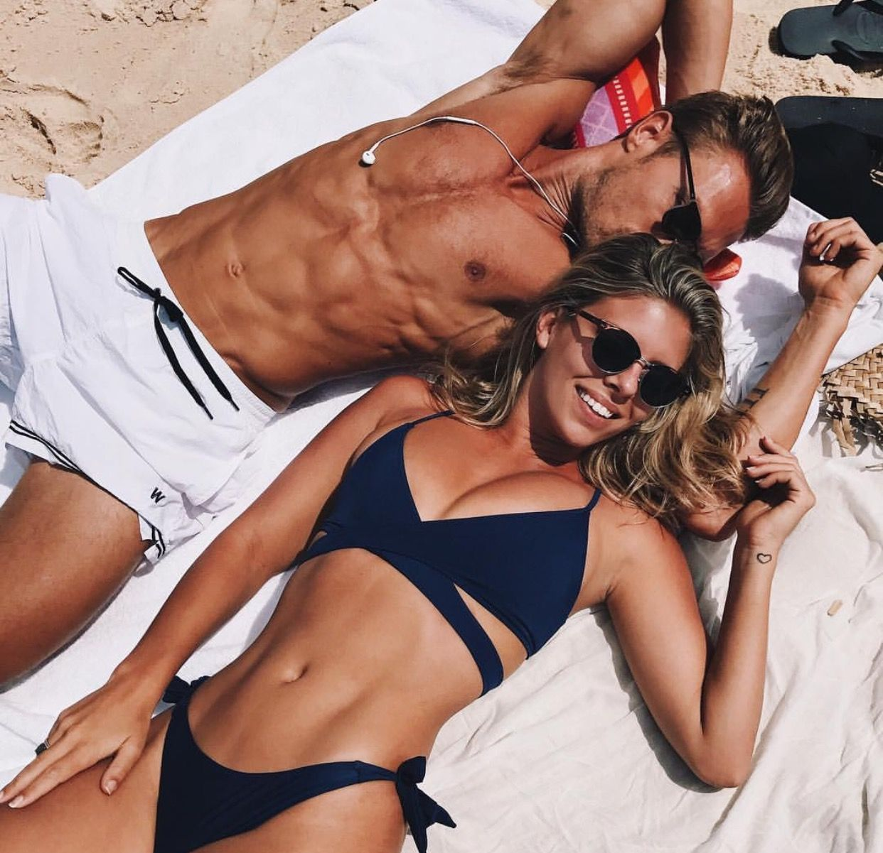 Pinterest K Wil03 Fit Couples Couple Beach Pictures Fit