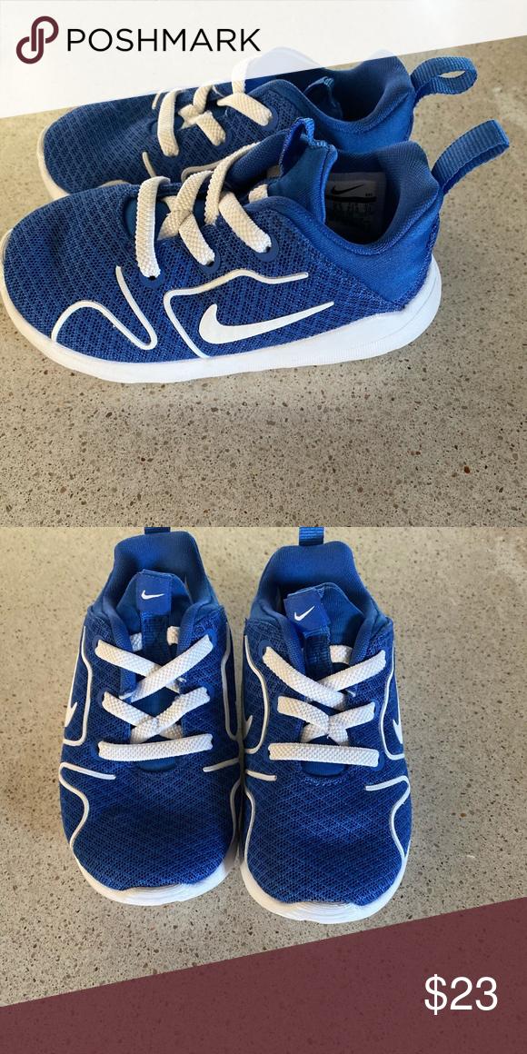 Like new boys Nike shoes size 7c   Nike