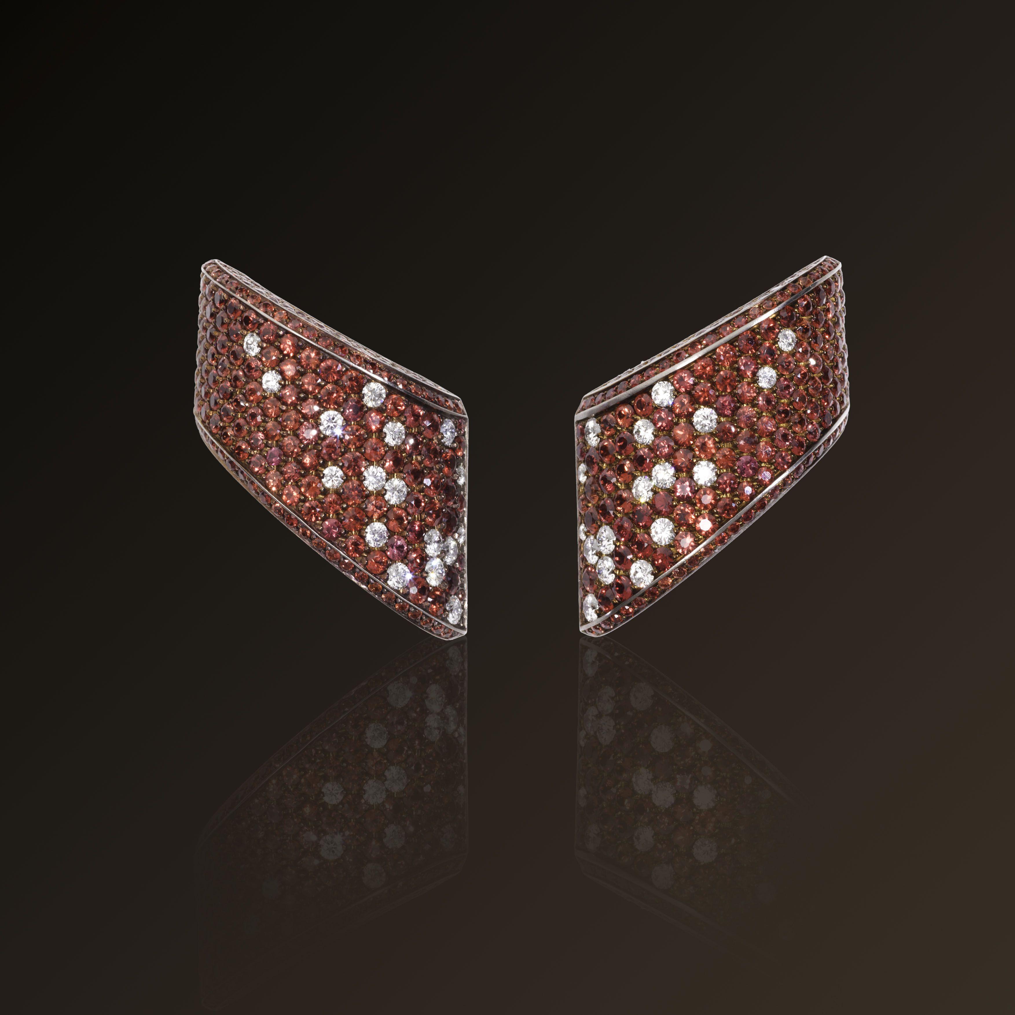 Volta Celeste - Vhernier Earclips in titanium, diamonds and cognac sapphires
