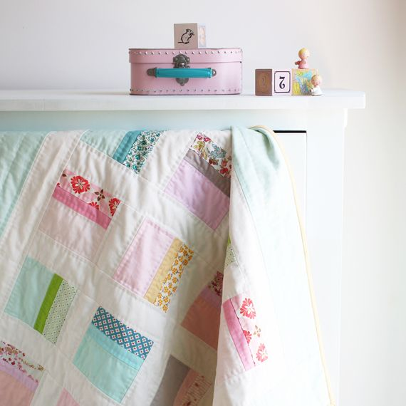 B-colorblock-baby-quilt_6776-570  nana company