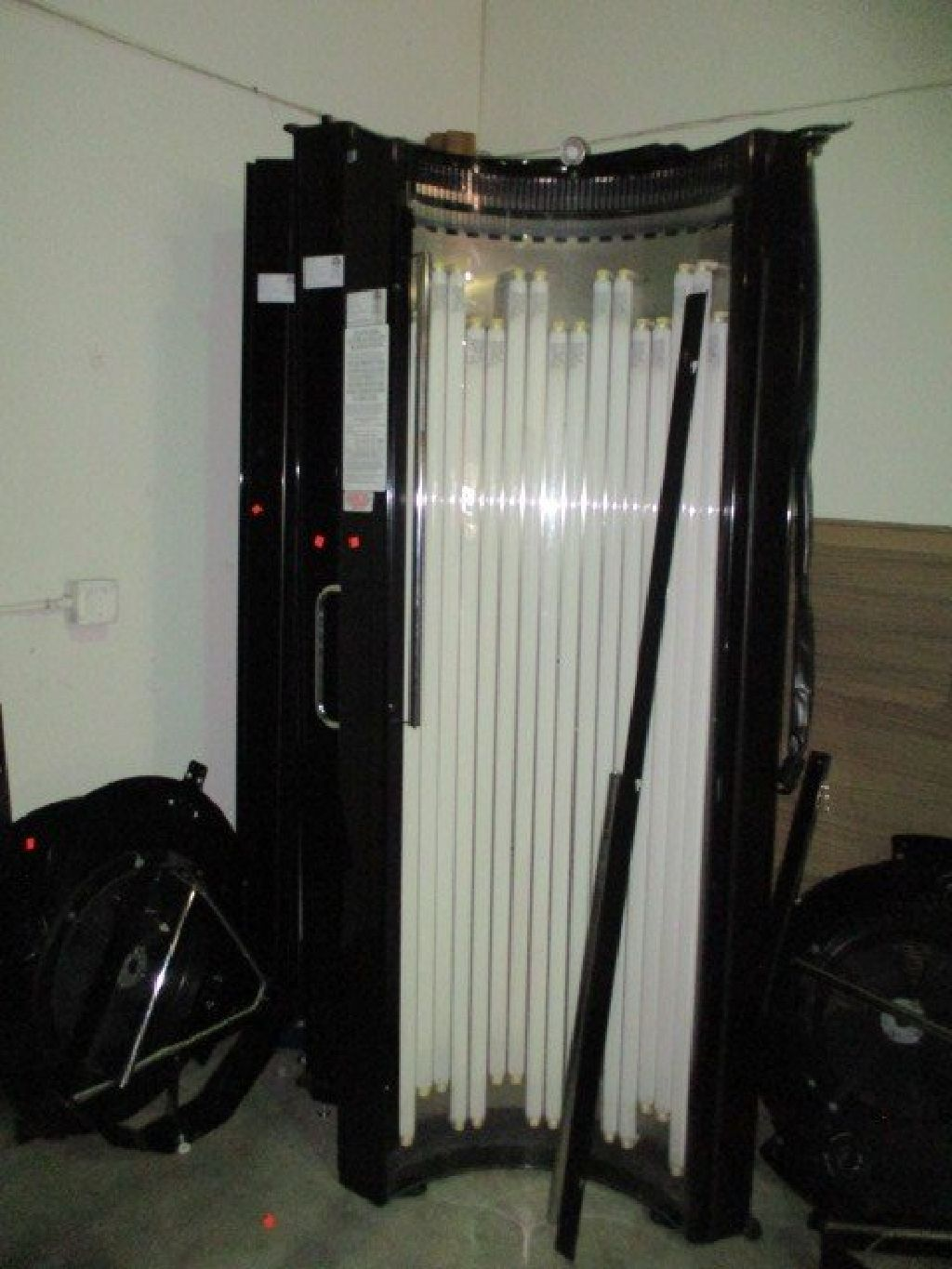 2010 Heartland SD54 Stand Up 10 Min Tanning Bed RTR