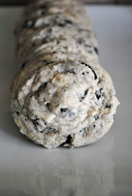 Cookies & Cream Cookie Recipe BEHOLD, THE COOKIE FLAVORED COOKIE. INGREDIENT: COOKIE. DIRECTIONS: ADD CREAM.