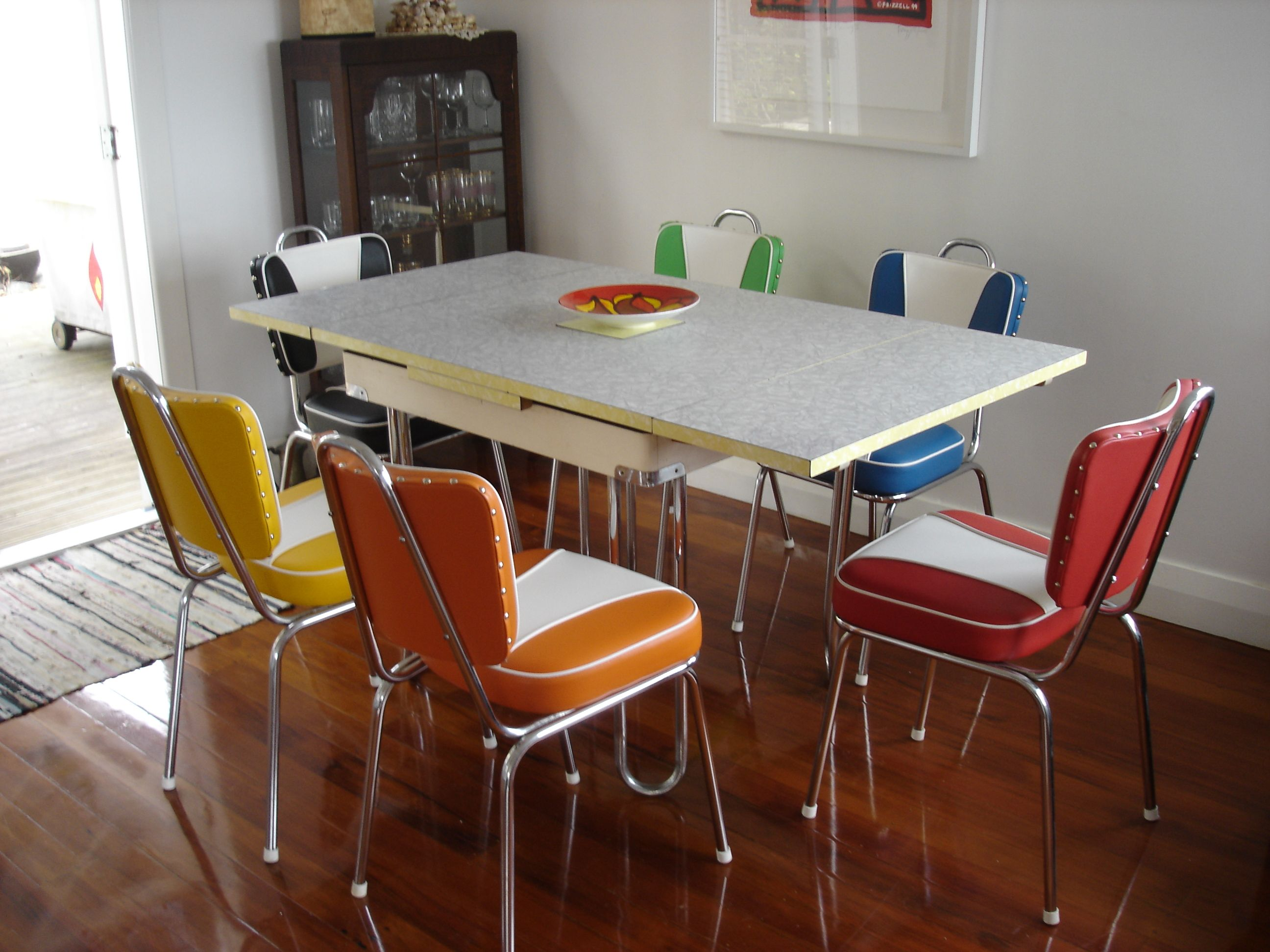 Retro Dining Table And Chairs Love The Chairs Kitchen Table