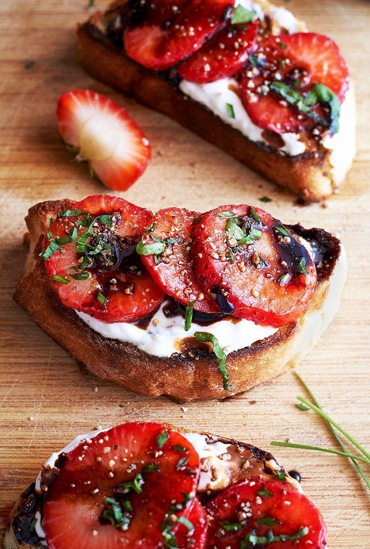 Strawberry Balsamic Crostini- -#appetizers