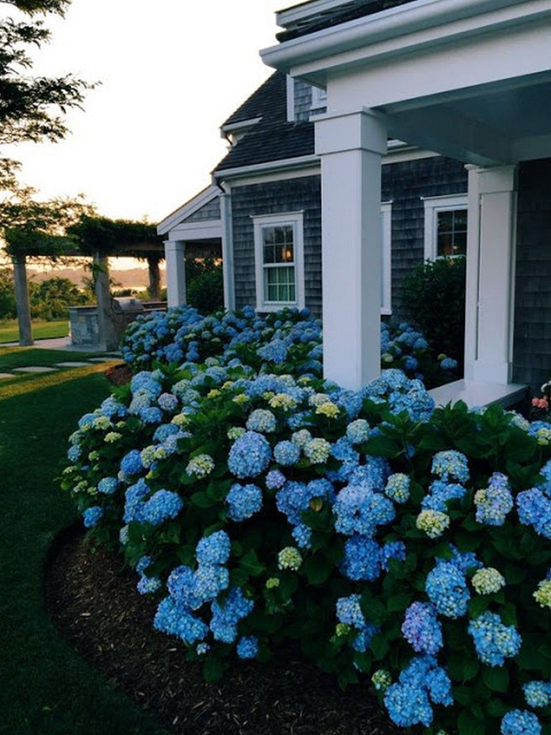 Farmhouse Landscaping Front Yard Ideas: 20 Gorgeous Photos ... on low water front yard design, traditional front yard design, prairie front yard design, house front yard design, flat front yard design, garden front yard design, tuscan front yard design, mediterranean front yard design, modern front yard design, farmhouse front yard landscaping, farmhouse front yard fencing, country front yard design, contemporary front yard design, home front yard design, florida front yard design, farmhouse front yard landscape ideas,