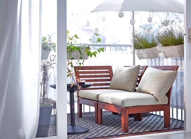 ideen f r schmale kleine balkone und vieles mehr eine mini lounge f r zwei wohnen. Black Bedroom Furniture Sets. Home Design Ideas