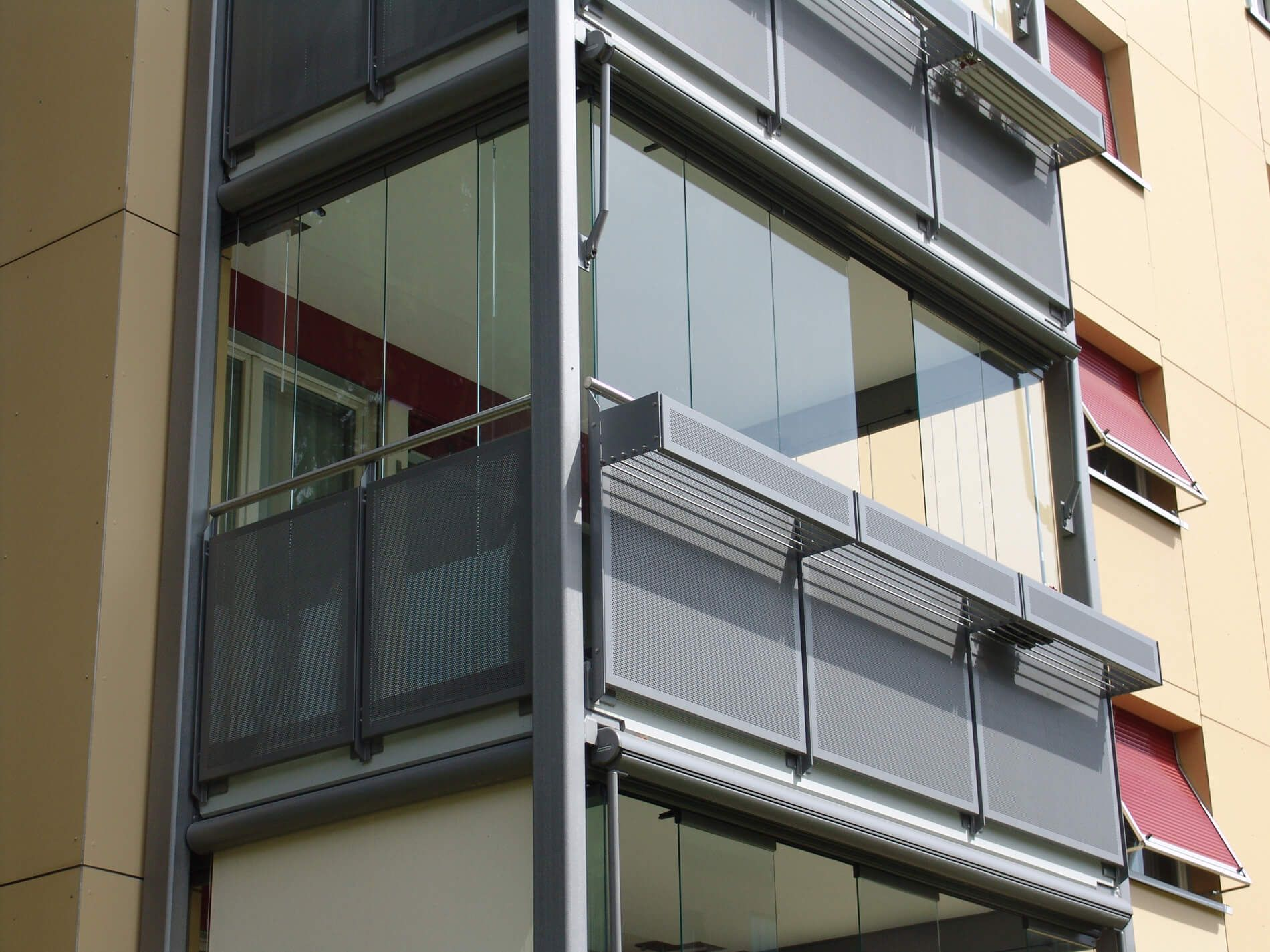 Balkonverkleidung Glas Oberosterreich Regenschutz Balkon