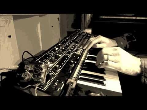 Synth Hacker: DIY MIDI Ribbon Controller   Diy synths and