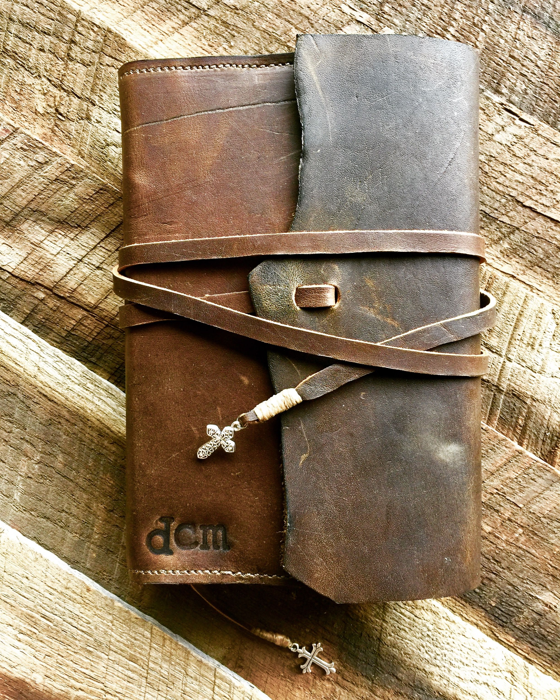 Rustic Parker Built Saddles Bible Cover Parkerbuiltsaddles Com Leather Bible Cover Leather Bible Leather Journal