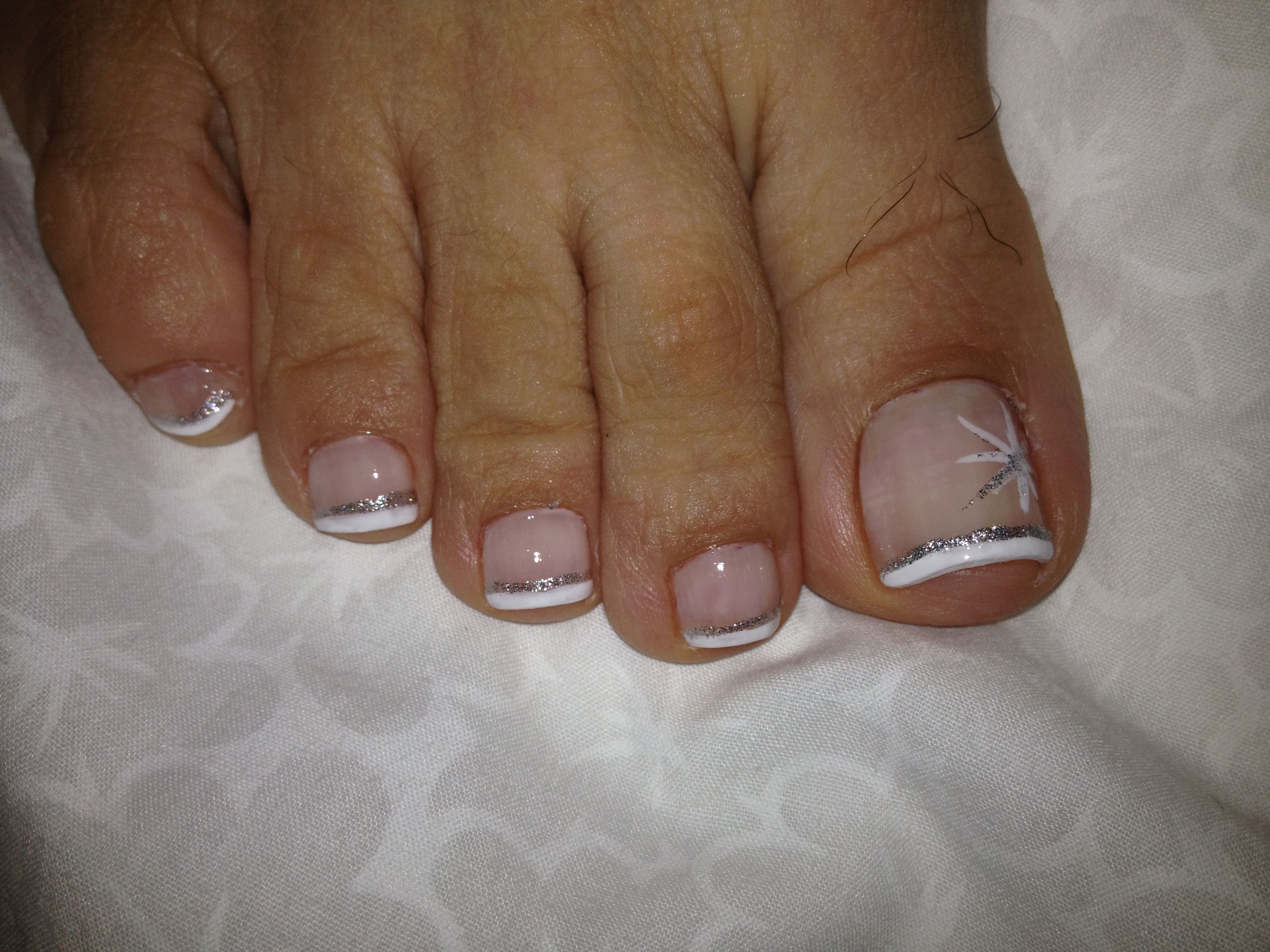 Sparkly french pedicure, minus the toe hairs!! Preside I love ...