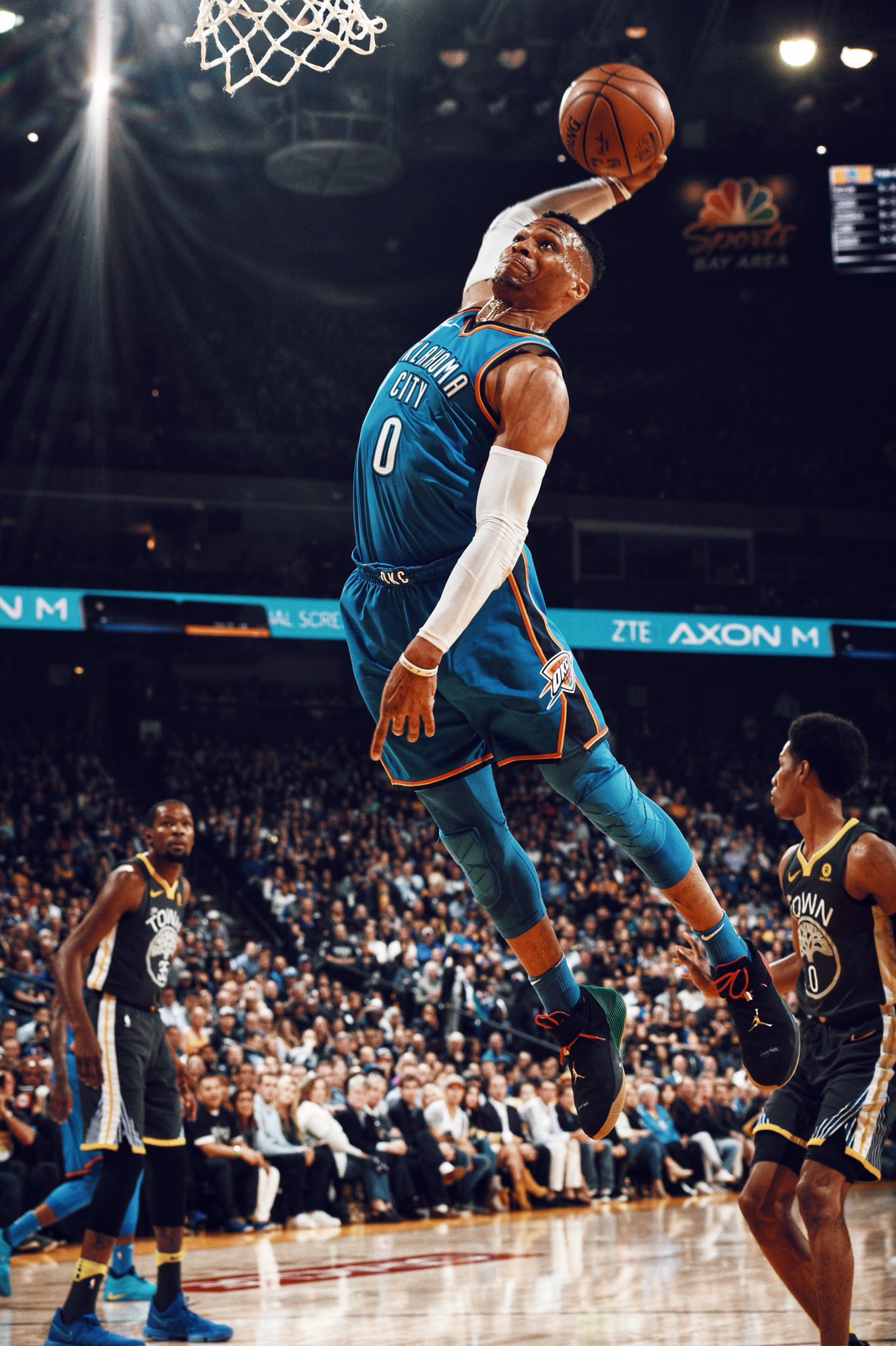 25e72b5aab5 Westbrook can fly! 2.6.18 | Russell Westbrook | Basketball, Nba ...