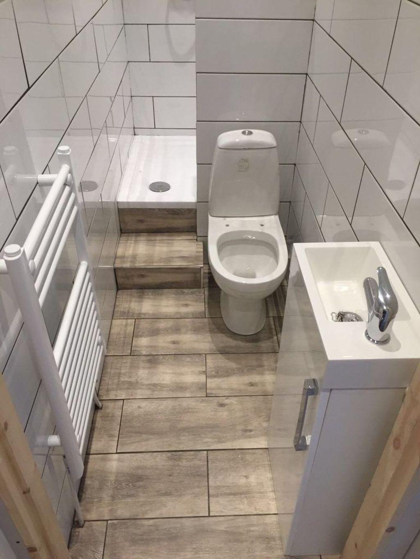 30 Perfect Tiny House Bathroom Design Ideas Coodecor Small Apartment Bathroom Small Shower Room Small Bathroom