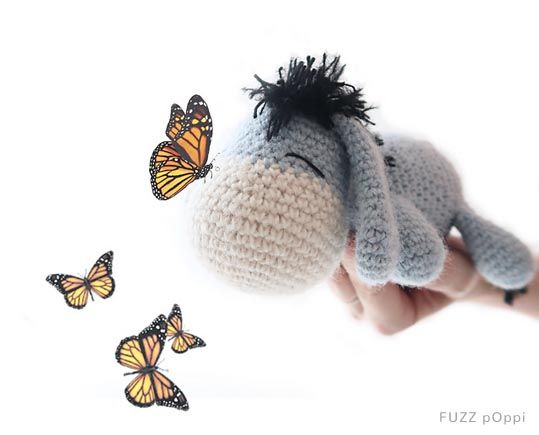 A free crochet pattern of Eeyore. Do you also want to crochet this donkey? Read more about the Free Crochet Pattern Eeyore #crochettoysanddolls