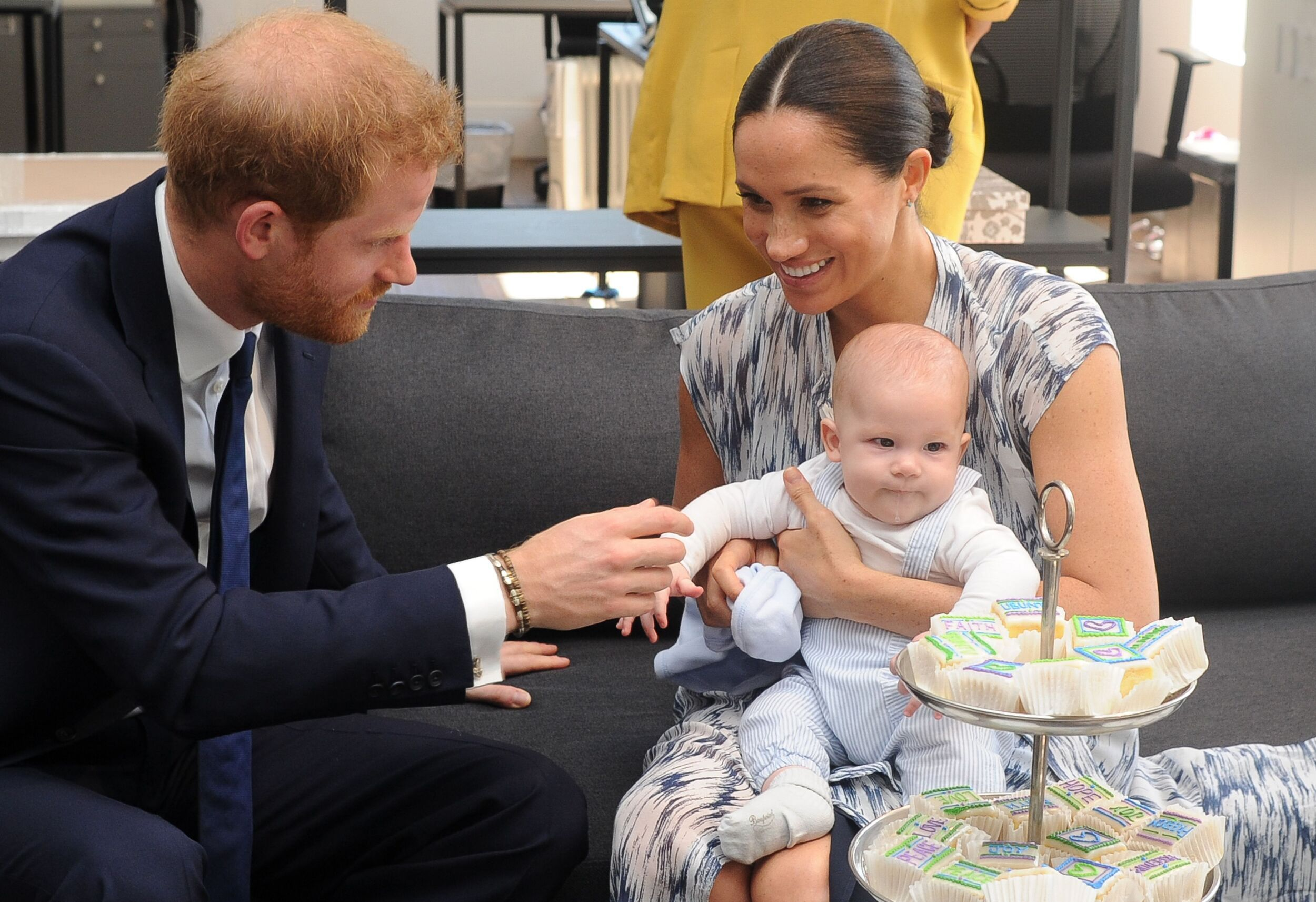 Britain S Duke And Duchess Of Sussex Prince Harry And His Wife Meghan Hold Their Baby S Prince Harry And Meghan Meghan Markle Prince Harry Markle Prince Harry