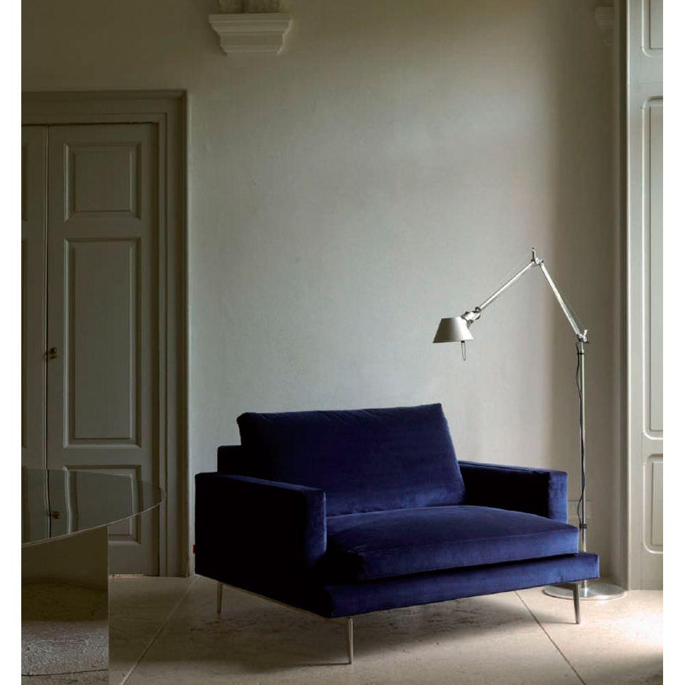 Wohnzimmerfliesen an der wand larsen armchair  crd verzelloni  verzelloni  suite ny  furniture
