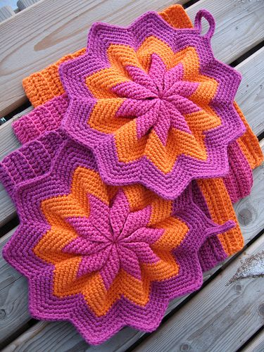Ravelry: Pusen\'s Star potholders and dishclothes | Hooked ...