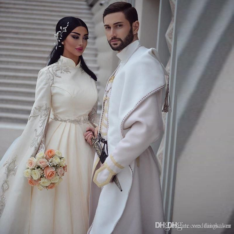 Brilliant 2019 Muslim Wedding Dresses With Long Sleeve High Neck Appliques Abric Dubai Vestido de noiva Wedding Gowns Long Train Bridal