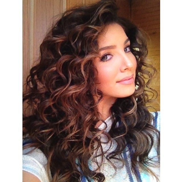 how to put mousse in curly hair