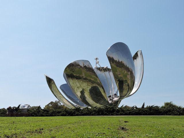 Casa da Luci: Buenos Aires, Argentina, Flor Metálica