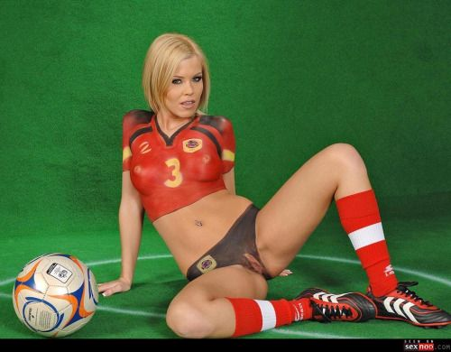 sexy pussy bodypaint soccer