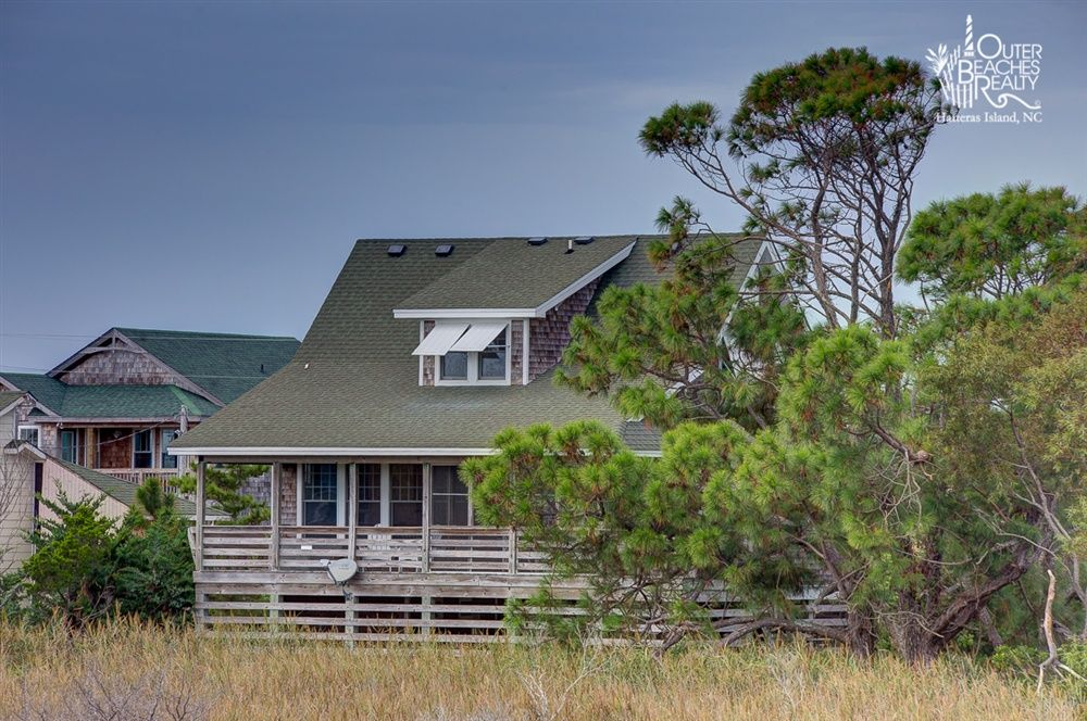 Sun Dog 587 Is A 3 Bedroom 2 Bathroom Oceanside Vacation Rental In Salvo Nc See Photos Amenitie Outer Banks Vacation Rentals Vacation Rental Cottage Rental