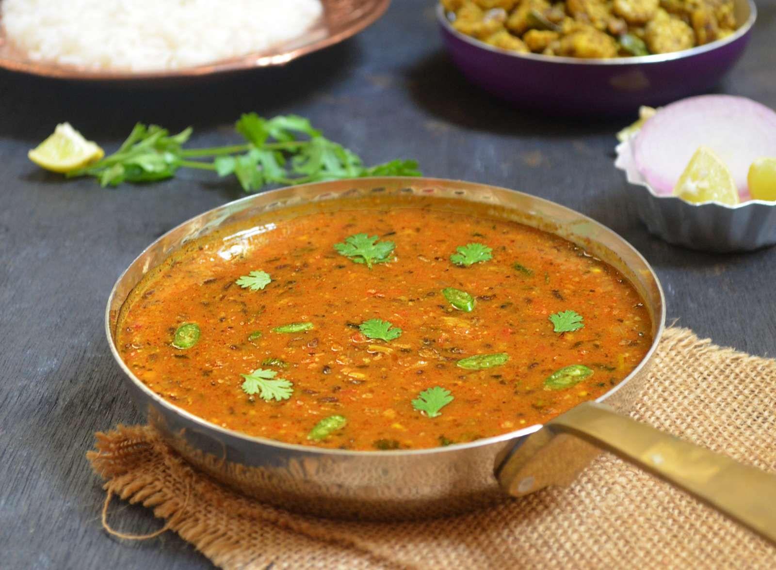 Dal Bukhara Recipe (Punjabi Style Black Urad Dal) | Rezept | Pinterest