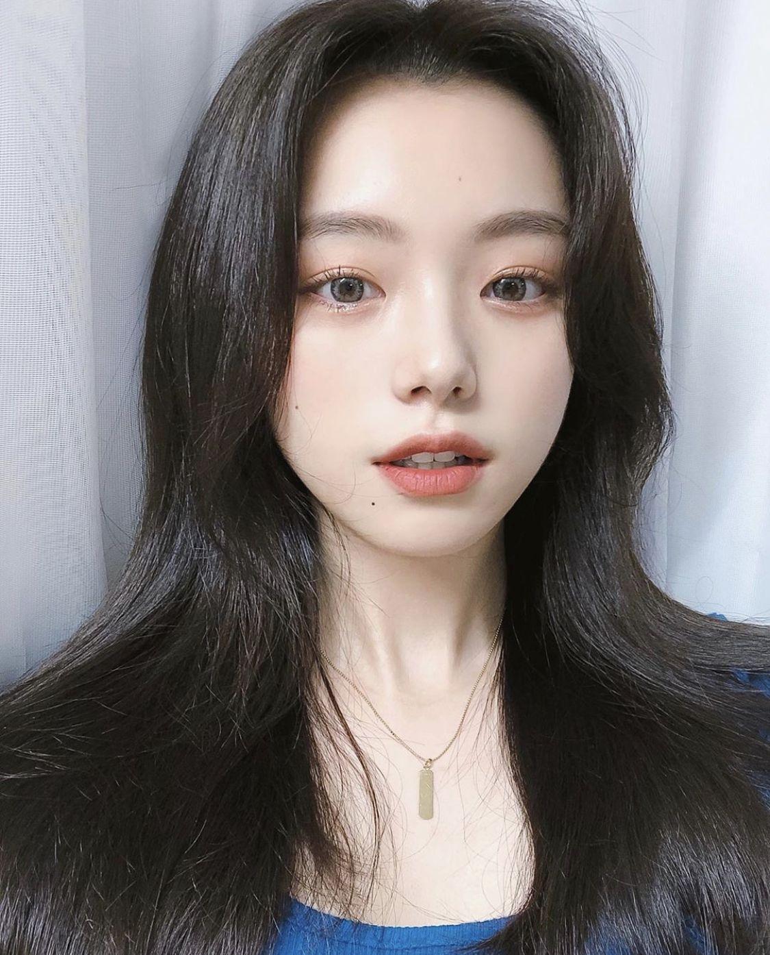 𝑠𝑜𝑚𝑒𝑡𝘩𝑖𝑛𝑔 𝑠𝑝𝑒𝑐𝑖𝑎𝑙 in 2020 Pretty korean girls, Light