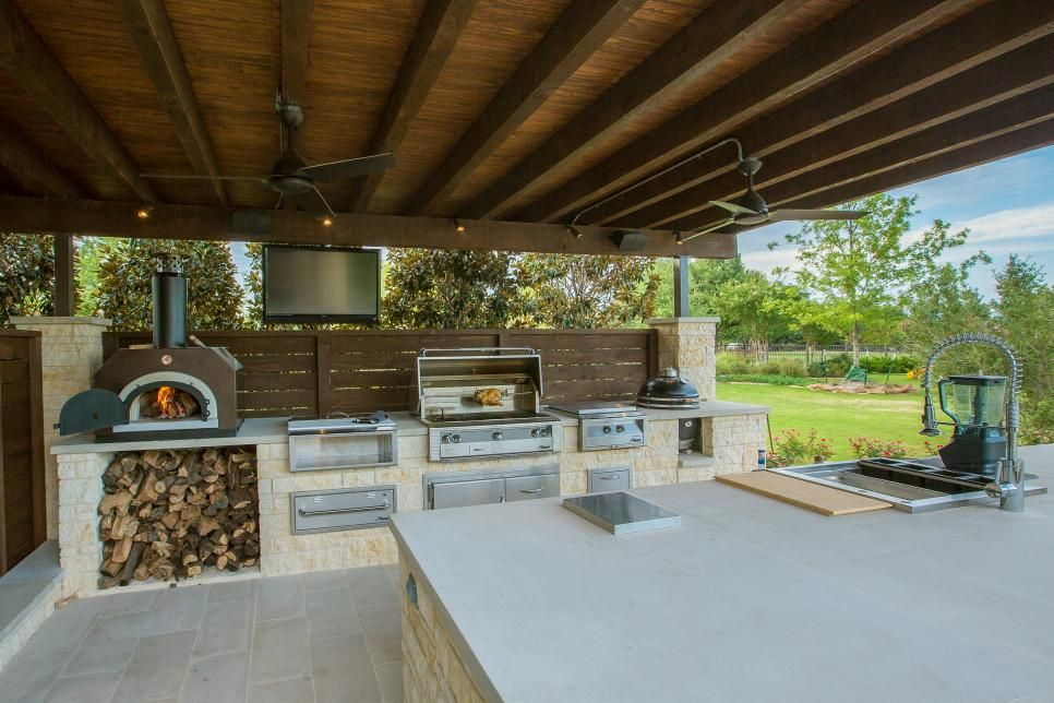 pool entertainment area with gourmet kitchen and pizza oven modern outdoor kitchen indoor on outdoor kitchen plans layout id=75448