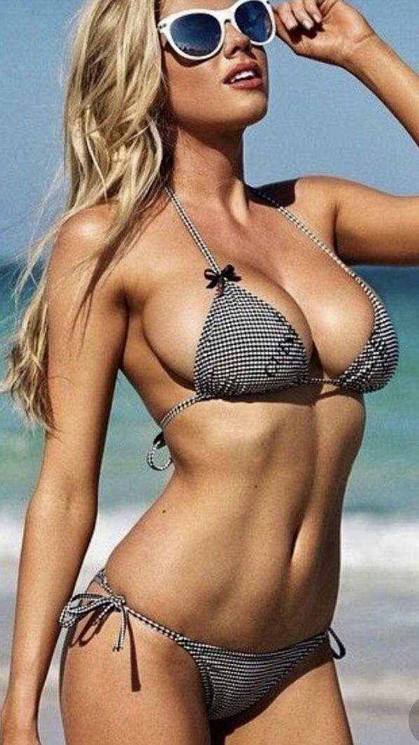 Brünettes Babe Am Strand Gefickt