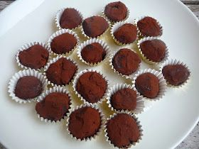 Truffes au chocolat vegan sans crème ni beurre, mignardises de Noël #2 #truffesauchocolat