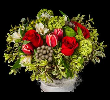COLOGNE Bouquet variado con rosas rojas. http://mardeflores.com/felicitar/cologne #EnvíodefloresMadrid #FloristeríaMadrid