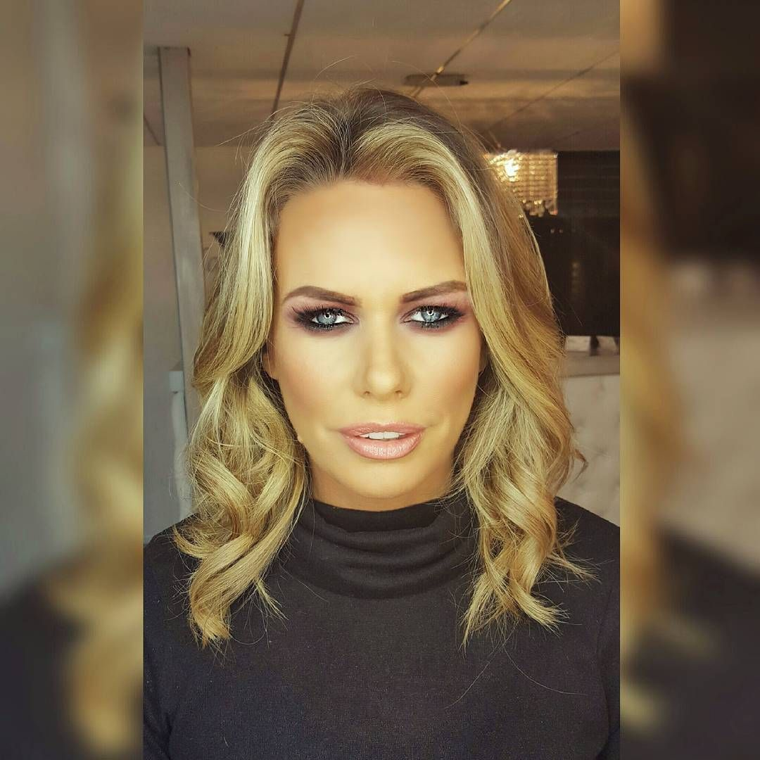 Our boss is fitter than your boss 😍😍😍 Makeup by our @rebeccadevinmakeup hair on herself by @claireridley82 💄💄💄 #bronzegoddess #gloss #glossyskin #smokey #smokeyeyes #makeupartistuk #makeupartistliverpool #makeupartistwirral #makeup #makeupartistcheshire #mualiverpool #makeupartist #mobile #illamasqualiverpool #illamasqualiverpool #chicwallasey #rebeccadevinmakeup #talentedmakeupartist #makeupaddict #makeupjunkie #makeuplovers #makeupmafia #makeupoftheday #liverpoolmakeup…