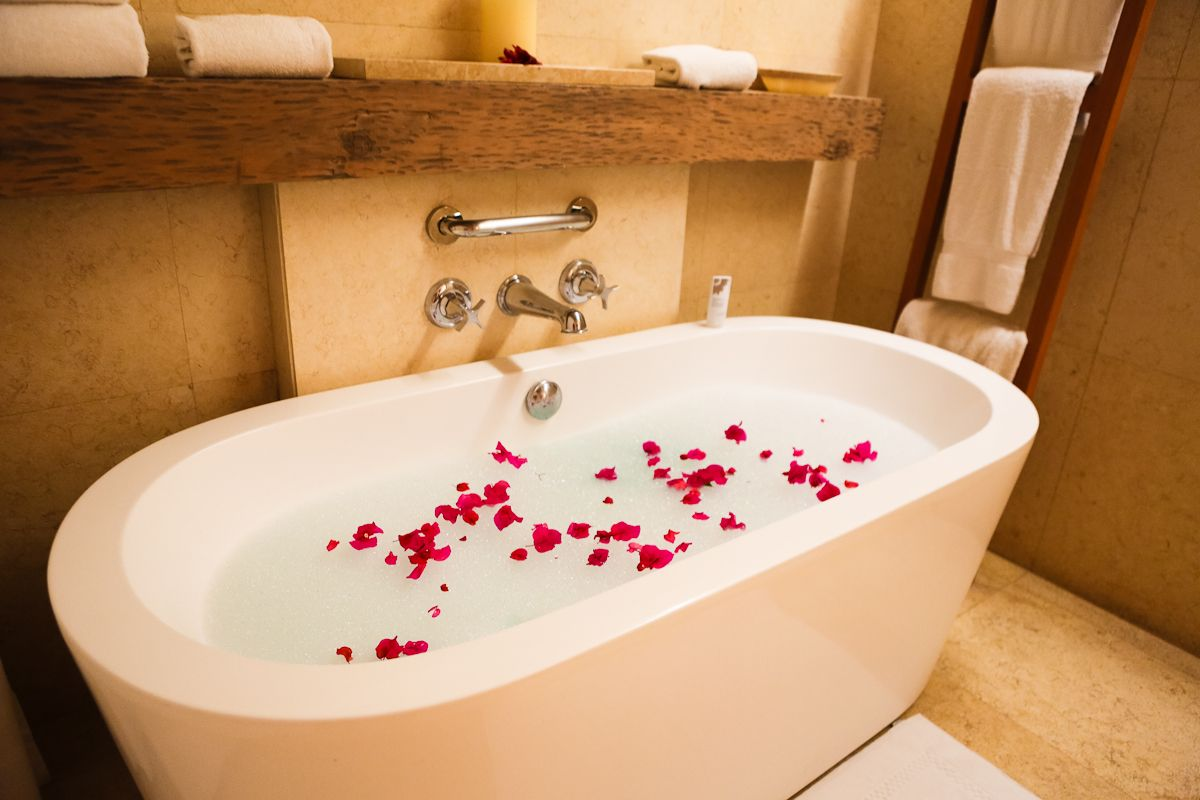 Beautiful Bubble Bath Tub Pictures Inspiration - The Best Bathroom ...