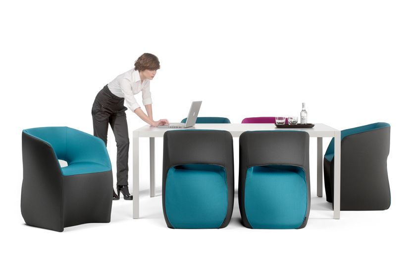 Butaca Om textil de Mobles 114.  Diseño : Martín Azúa.  Muebles de diseño.