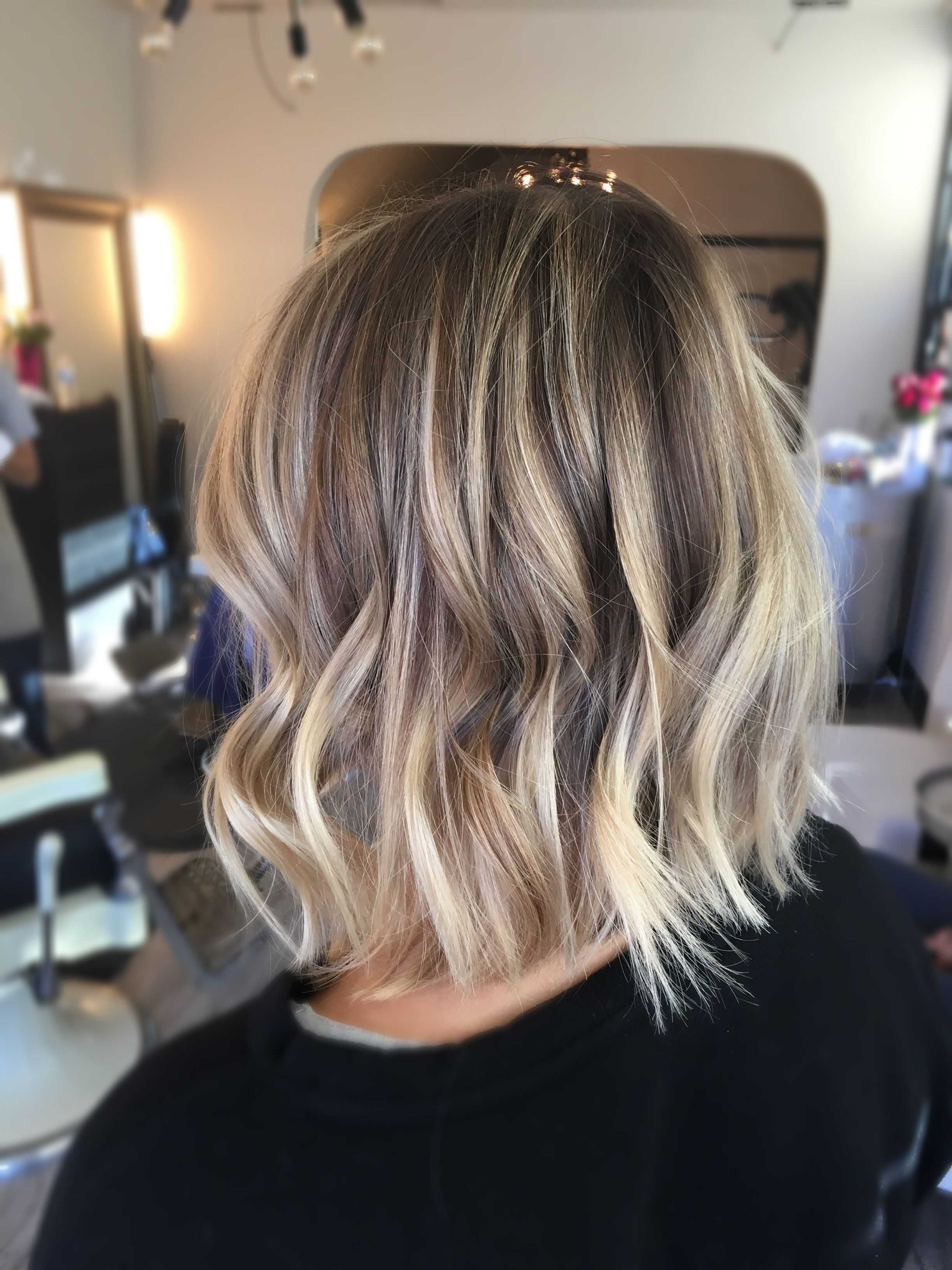 Long Bob Ombre Braun Blonde Dimensional Balayage And A Long Bob Razored For Texture