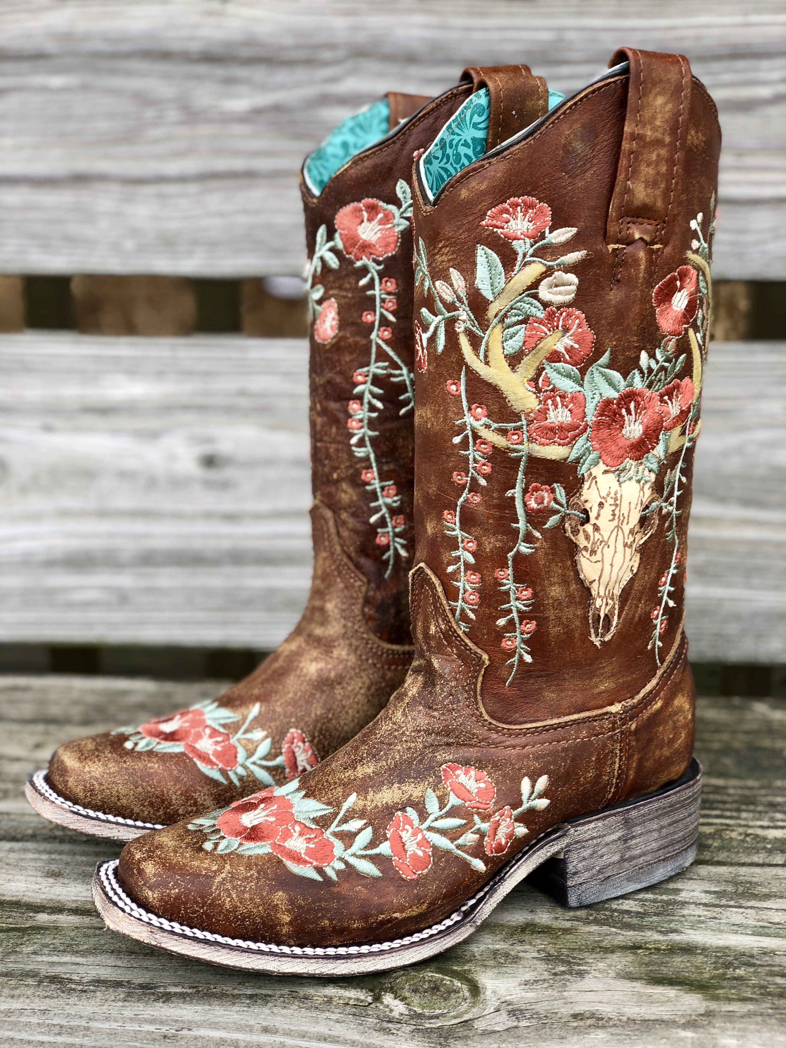 bf1bf079 Corral Women's Deer Skull & Embroidery Distressed Tan Square Toe Boots A3708