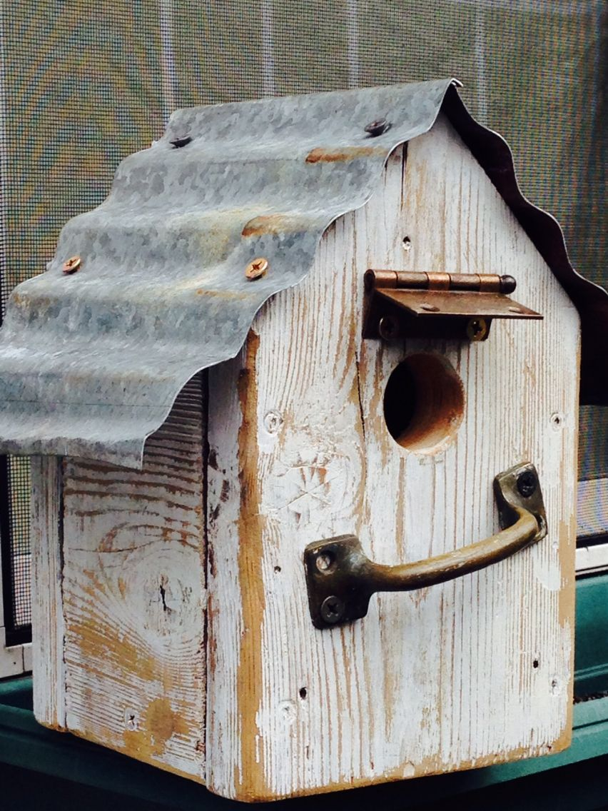 Birdhouse with tin roof birdhouses pinterest bird for Bird feed tin