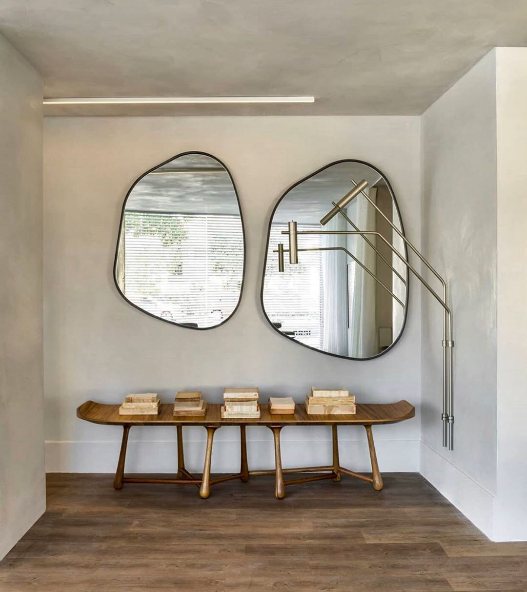 Andyvillasana On Instagram Vignette Design By Studioboscardincorsi Photography By Macarios Studiob Home Interior Design Home Decor Interior