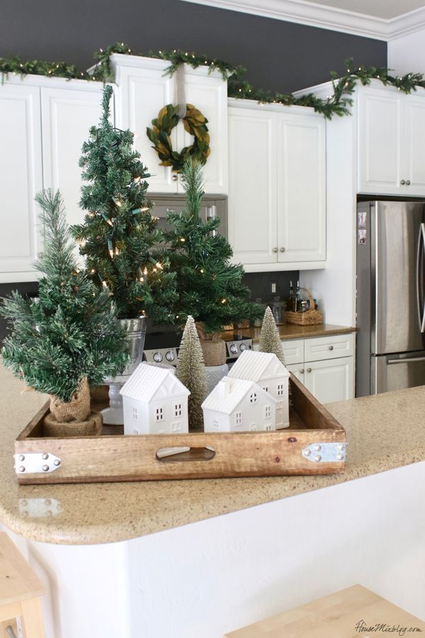 White and green Christmas decor #farmhousechristmasdecor