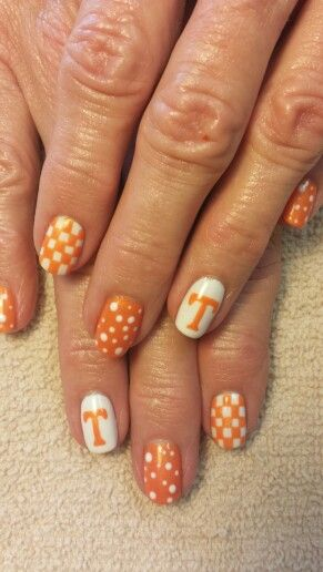 Tn vol nails...I WANT THESE!!