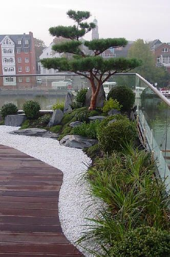 japanischer Garten auf Dachterrasse, traumhaftes Wohnen im Penthouse - vorgarten gestalten asiatisch