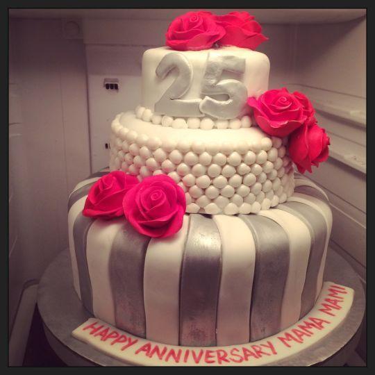 25th Wedding Anniversary Cake Ideas: Silver Jubilee Anniversary Cake