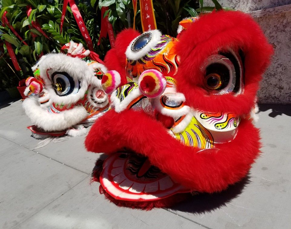 Red And White Chinese Lions Cultural Lion Dancing Grand Opening Celebration And Oakland Chinatown California With Images Street Photography Red And White Grand Opening