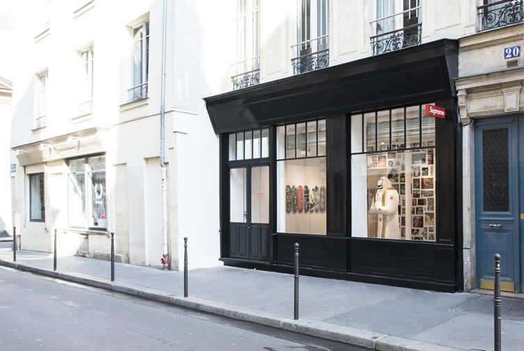 d311eef97283 Masters of hype Supreme arrive in Paris s Le Marais with a gallery-esque  store on a unique footprint.