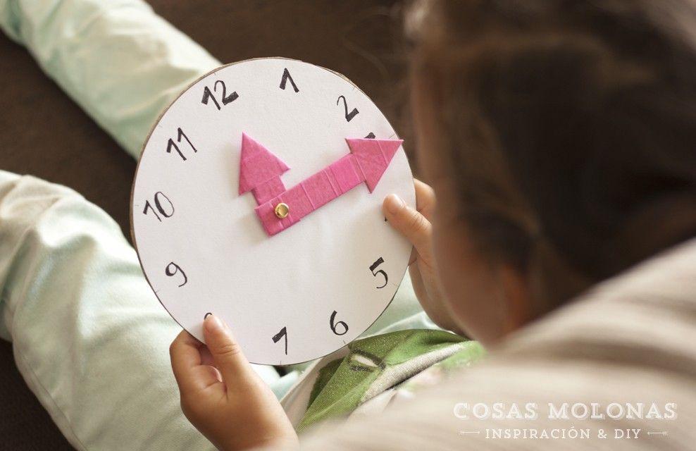 Diy reloj de cart n reciclado para aprender las horas - Manualidades relojes infantiles ...