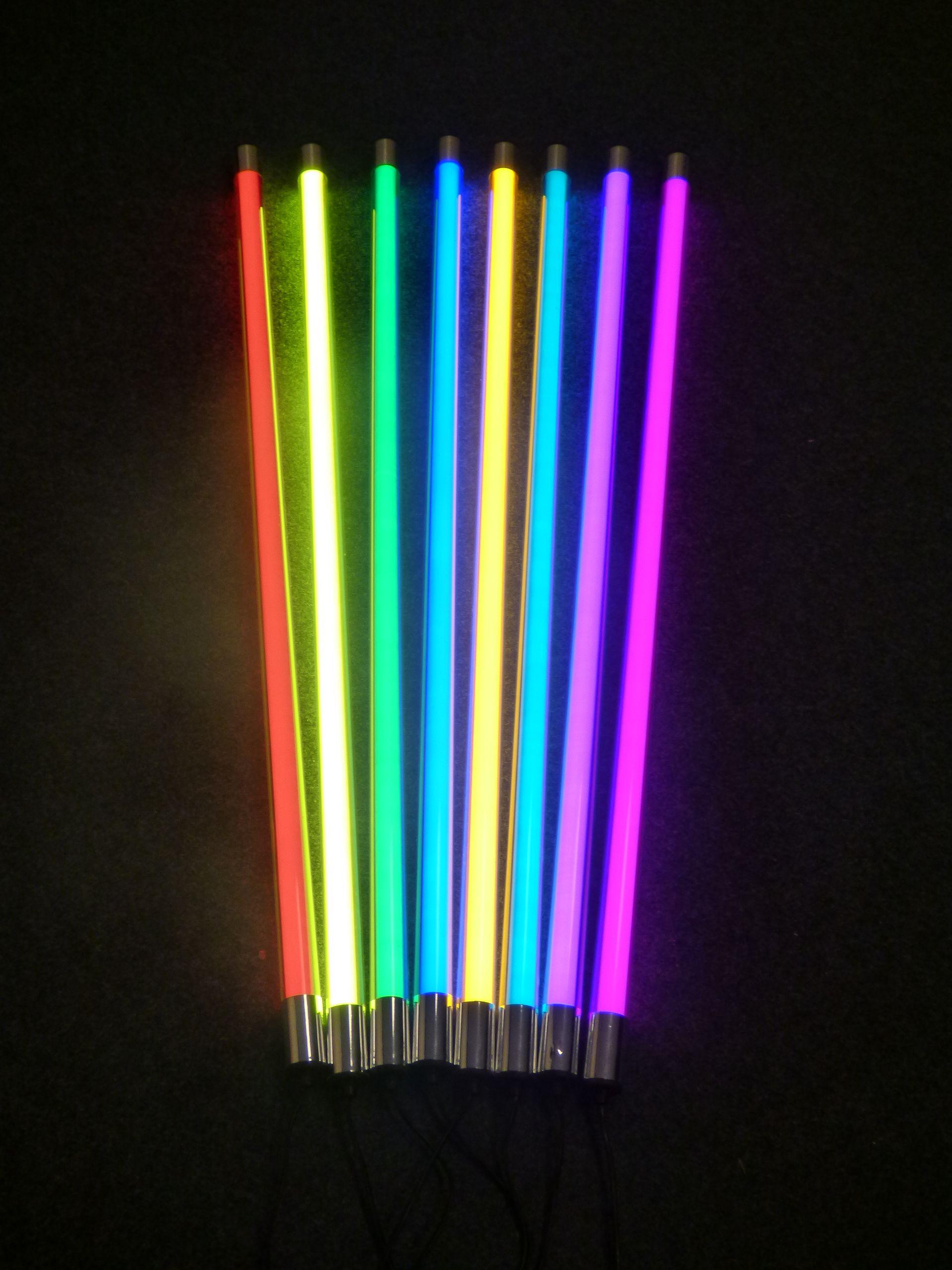 Farbige Led Leuchtstabe In 1 23m Und 1 53m Lange Mit Befestigungs Halter Neon Noir Neon Art Neon Signs